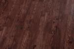 висококласен дървен паркет с равномерна структура наличен